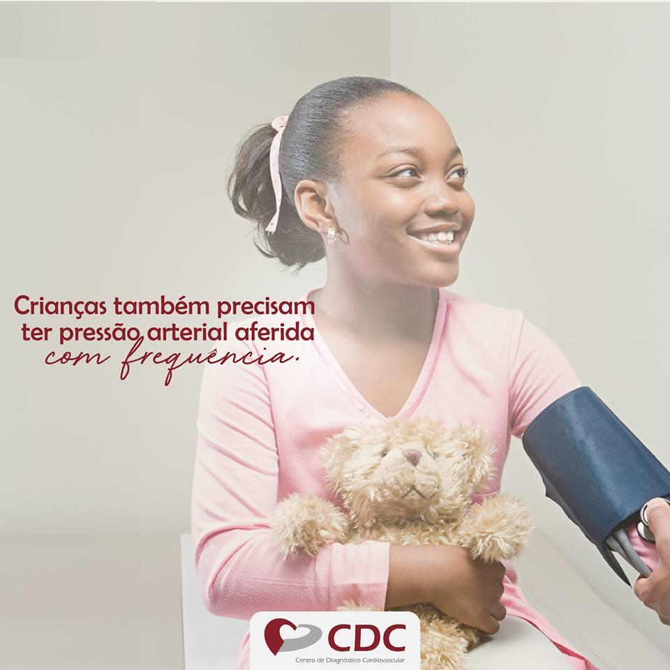 aferir-pressao-crianca-clinica-cdc-centro-diagnostico-cardiovascular
